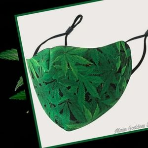 Face Mask Colorado Green Leaf All Over Pattern
